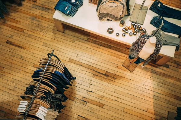Tienda de ropa con licencia comercial